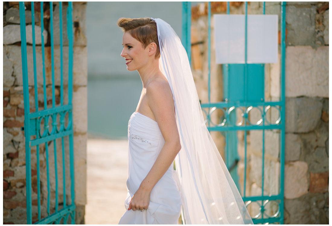 pretty bride on krk wedding photographer