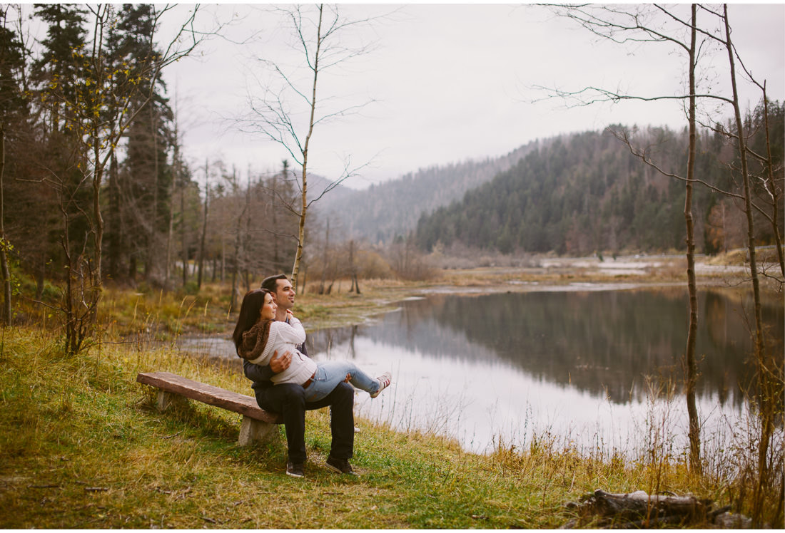 engagement session by the lake in fuzine croatia