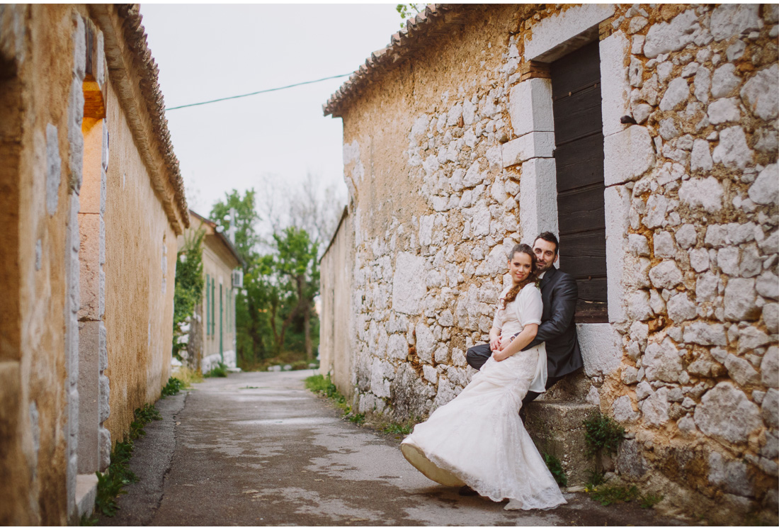 bride and groom in grizane
