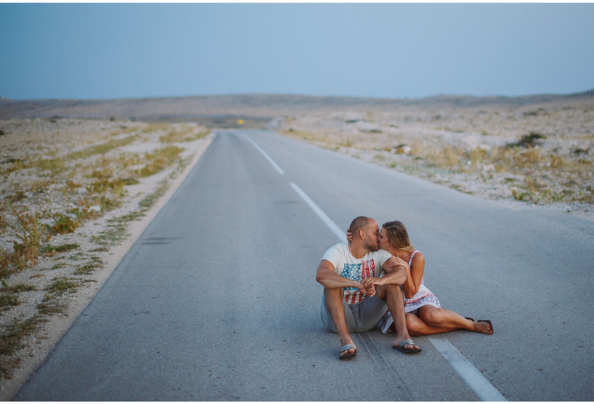 kiss in the middle of the road on pag island