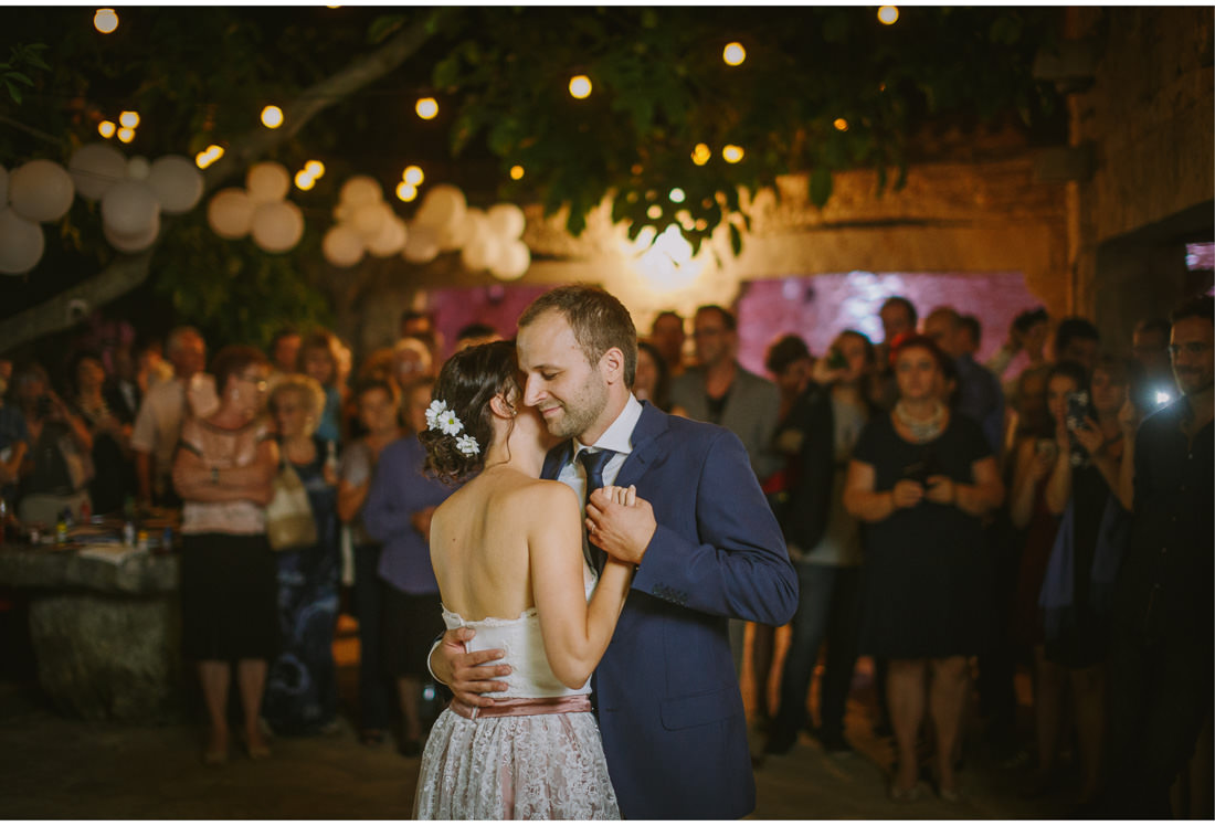 first dance of bride and groom in paladnjaki