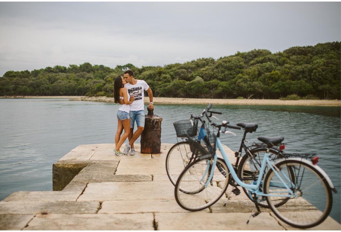 romantic kiss on brijuni