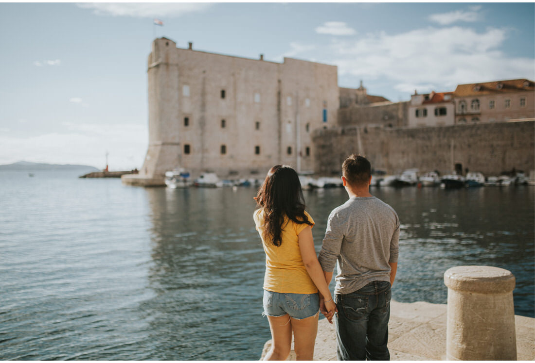 couple in dubrovnik port