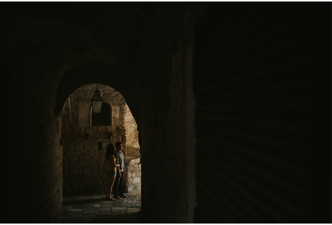 dark passage in dubrovnik engagement photographer