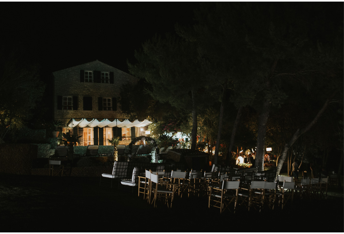 hotel boskinac at night