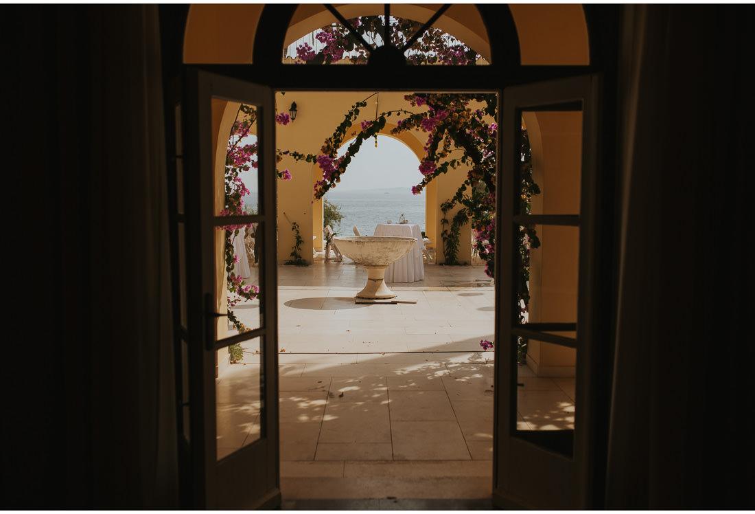 villa dalmacija courtyard