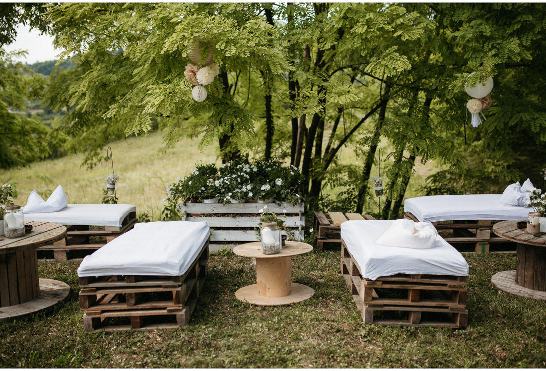 tables at a outdoor backyard wedding party
