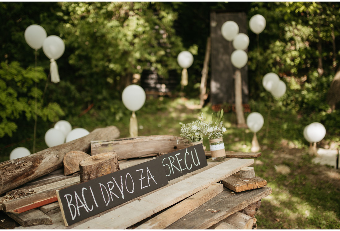 outdoor backyard wedding party decorations